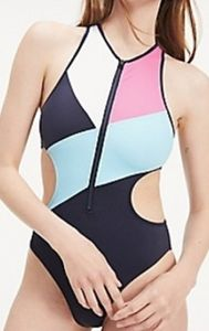 CUT-OUT ONE-PIECE SWIMSUIT